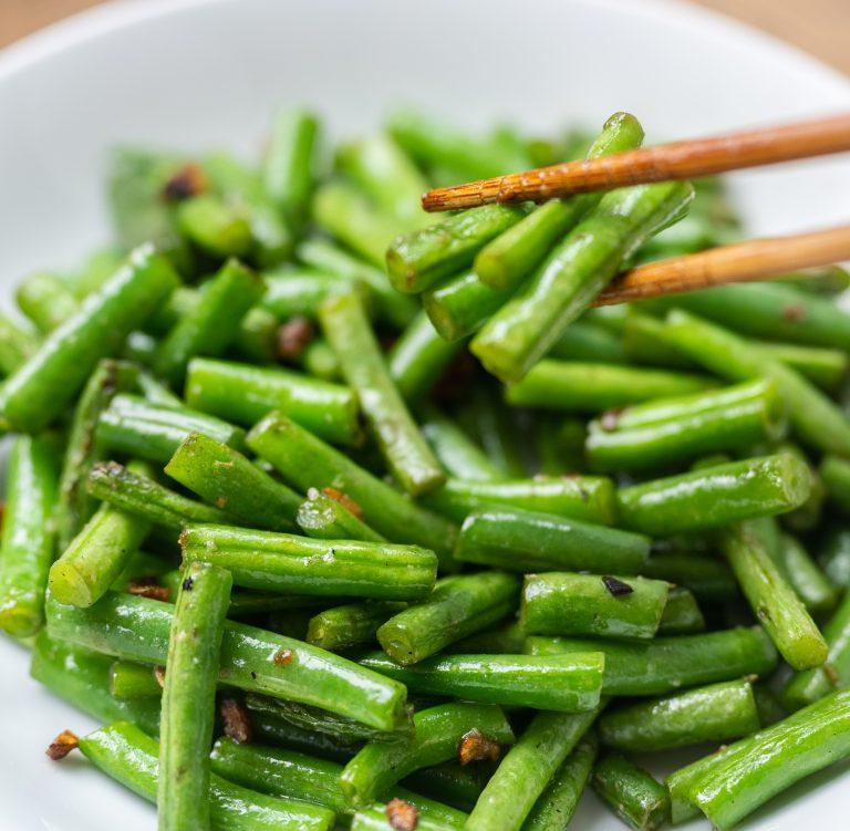 Crispy Garlic Stir-Fried Green Beans