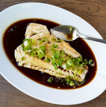 Steamed White Fish with Sugar and Soy Sauce